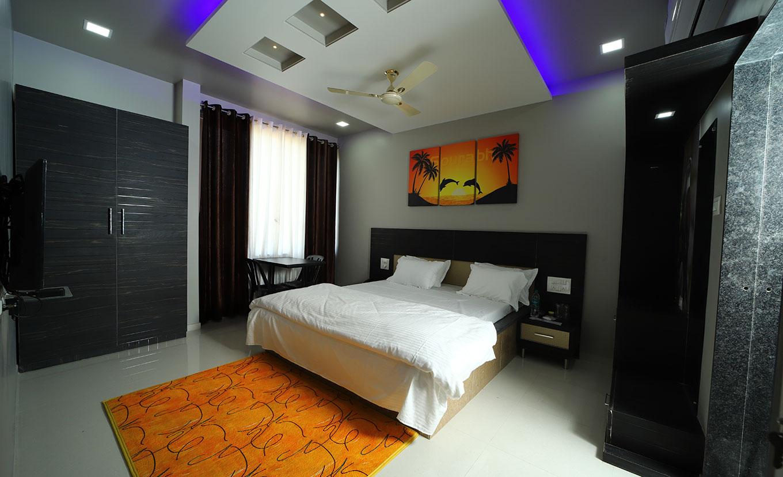 Hotel Saurabh, Kolhapur Narsobawadi road, 2 Star hotel in kolhapur